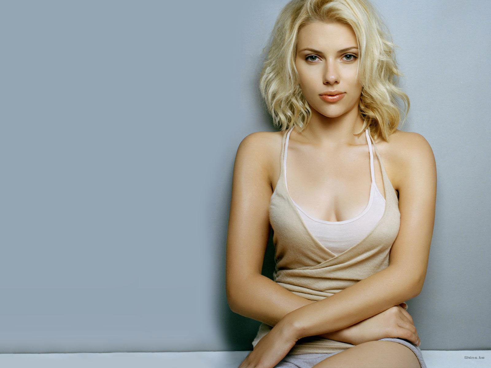 Download hd 1600x1200 Scarlett Johansson computer wallpaper ID:74495 for free