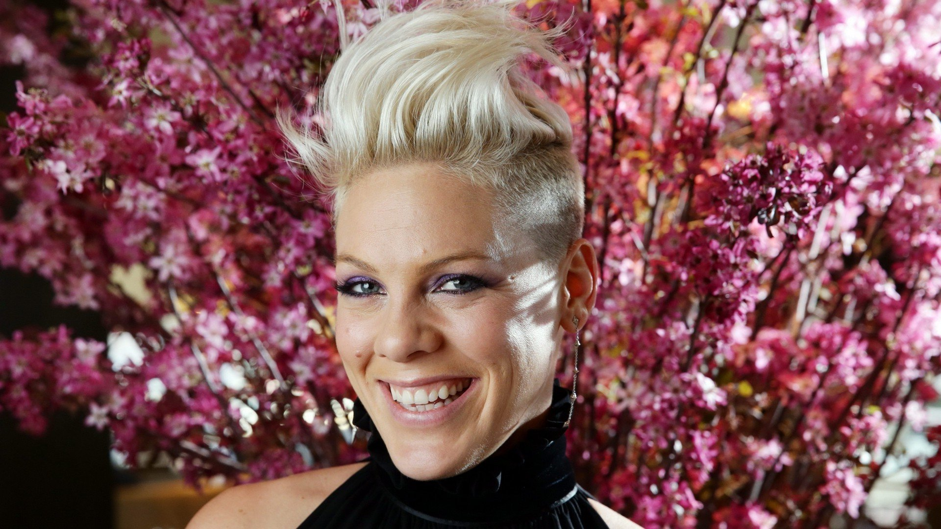 Best Pink (singer) wallpaper ID:457299 for High Resolution 1080p desktop