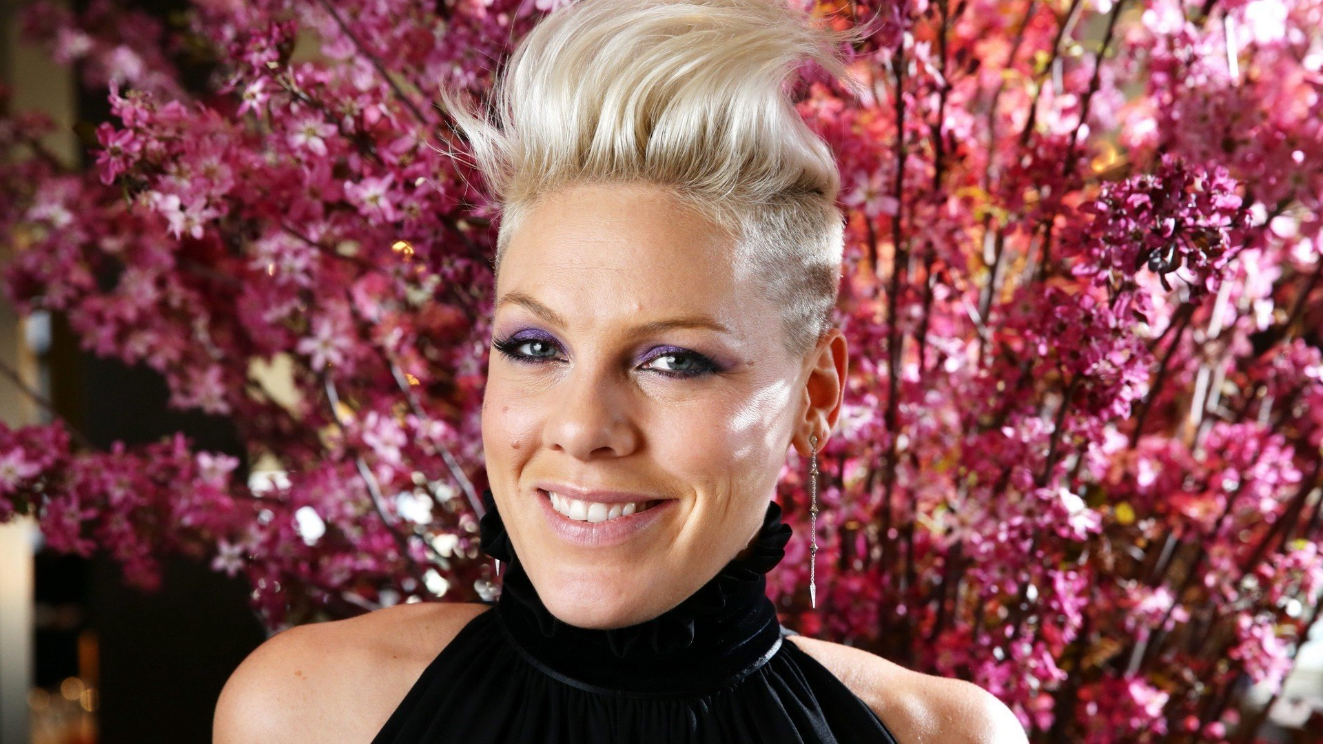 Free download Pink (singer) wallpaper ID:457300 full hd for desktop