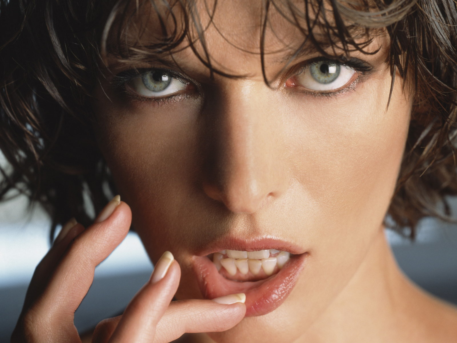 Best Milla Jovovich wallpaper ID:270649 for High Resolution hd 1600x1200 desktop