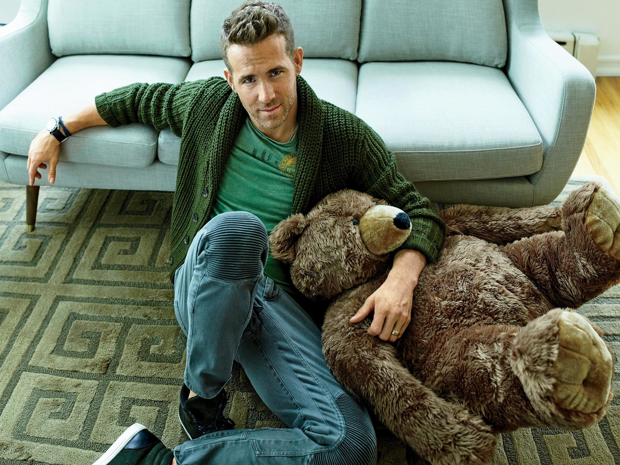 Free download Ryan Reynolds background ID:117573 hd 2048x1536 for desktop