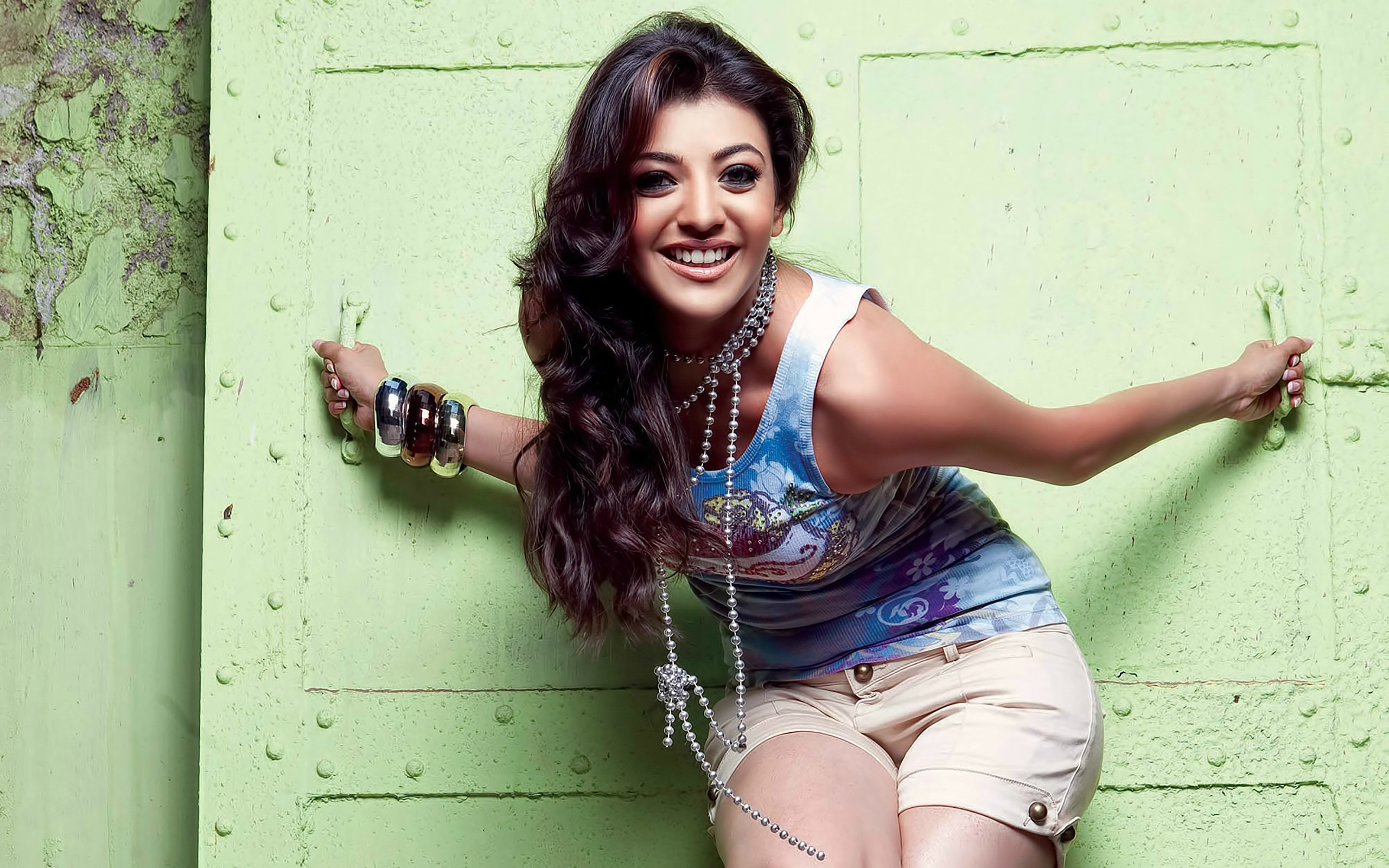 Download hd 2560x1600 Kajal Aggarwal computer background ID:166194 for free